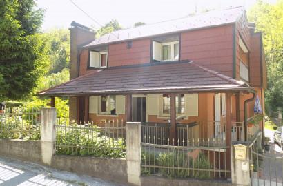 Kuća: Zagreb (Orešje), 250.00 m2 potok, voćnjak i šuma