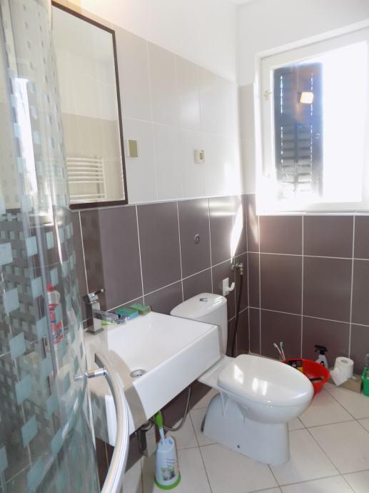 Kuća, Samobor/Vrhovčak, visoka prizemnica 185 m2 + radiona i spremište (prodaja)